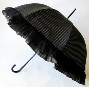 Parapluie long femme noir rayure volant dentelle Chantal Thomass